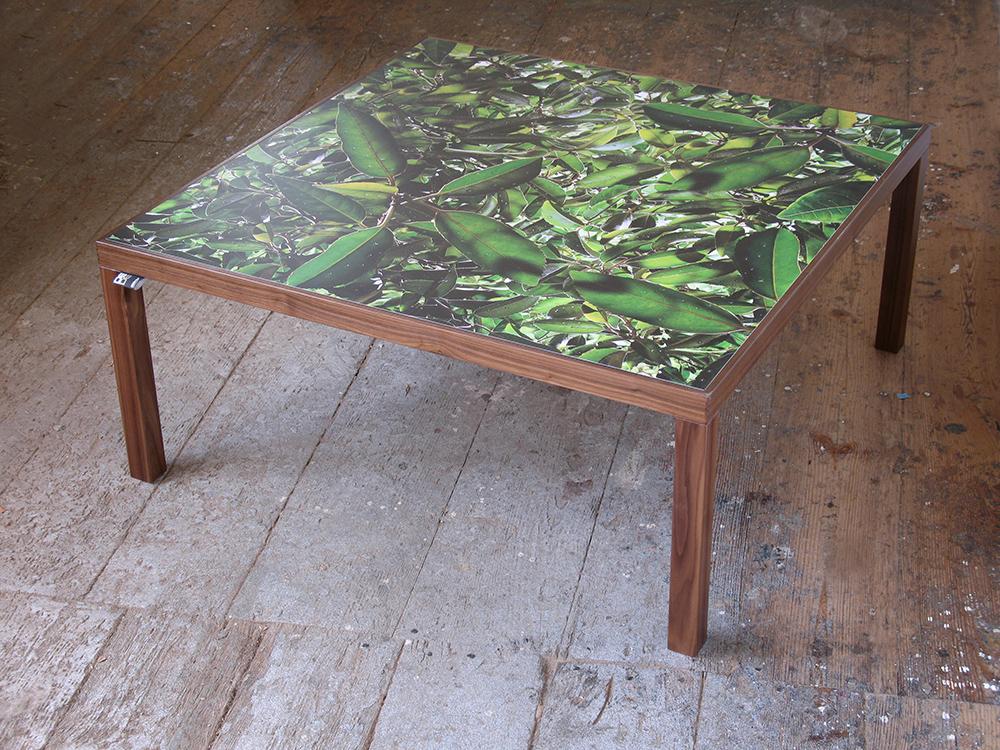 desktop design designertische presse. Black Bedroom Furniture Sets. Home Design Ideas